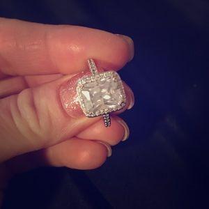 Gorgeous Swarovski Crystal ring Size 8. Square